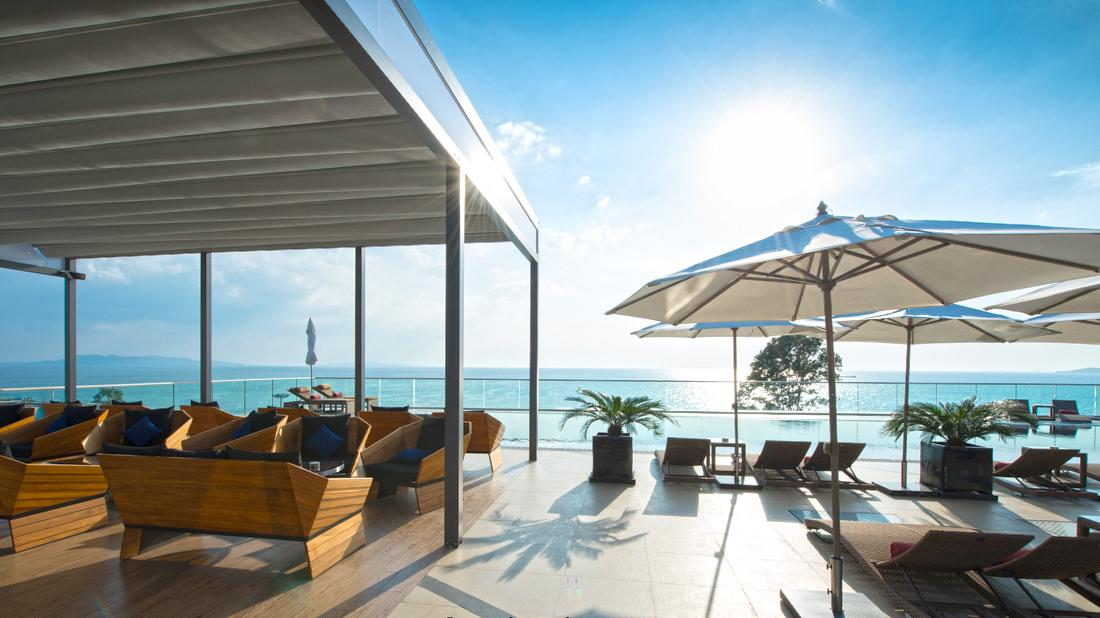 Weather in #Pattaya is mostly #sunny today. It's a good time to experience our #rooftop #swimming pool. http://t.co/PUQc464oC7