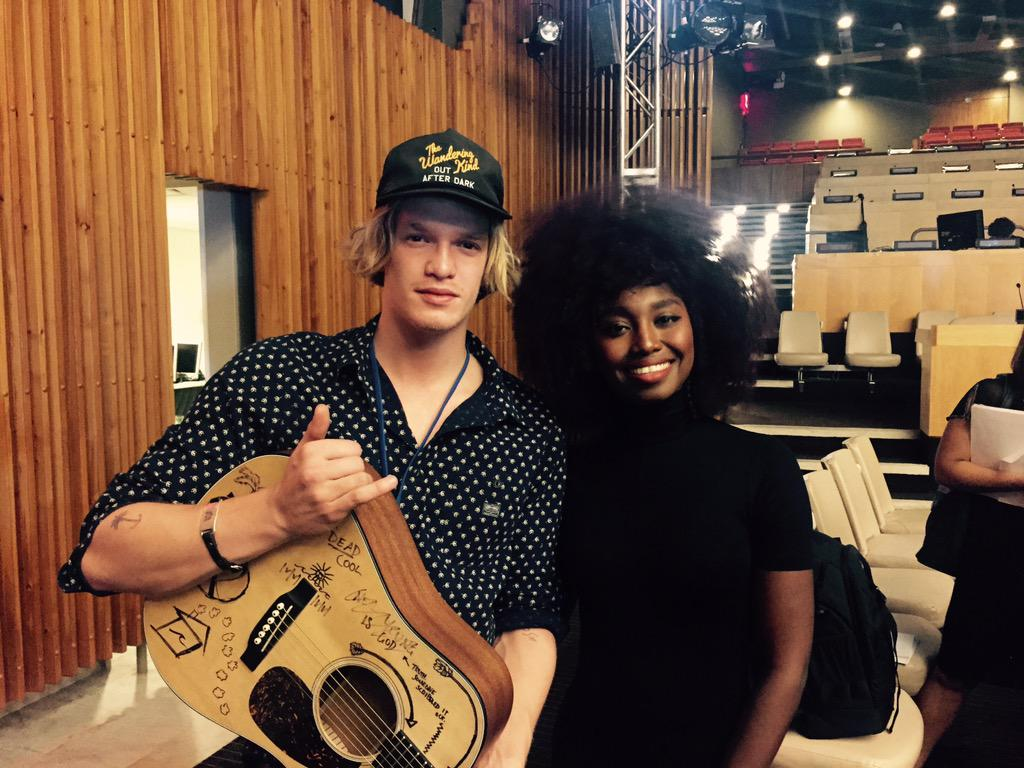 With Cody Simpson @codysimpson , getting ready for tonight. We'll sing for The United Nations World Humanitarian Day http://t.co/o0Fb3fUe8C