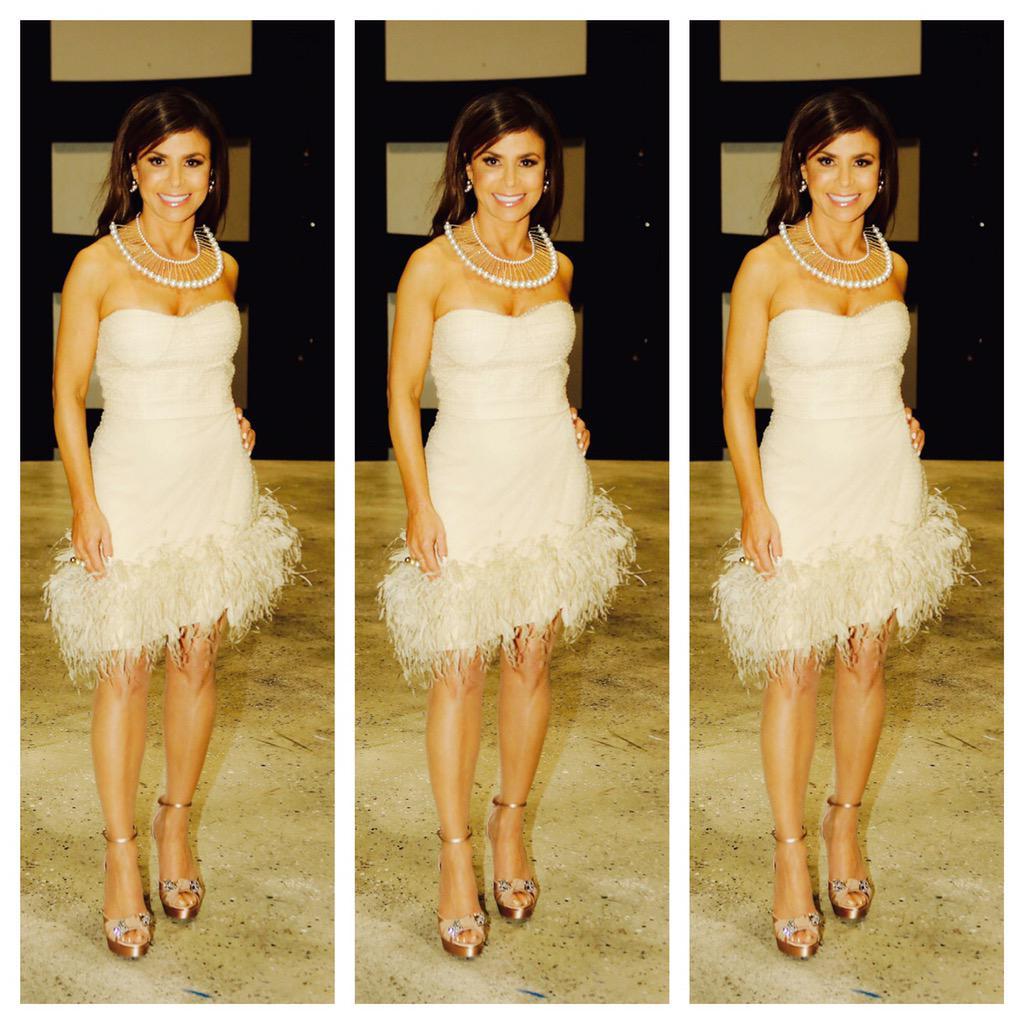 ❤️ @Vidal_Alexandra dress @XIVKARATS ring @CEZUA_JEWELRY @MIUMIUofficial 👠s& @kimmiekyees 💅🏼from last night! #SYTYCD http://t.co/uzXB4boaF6