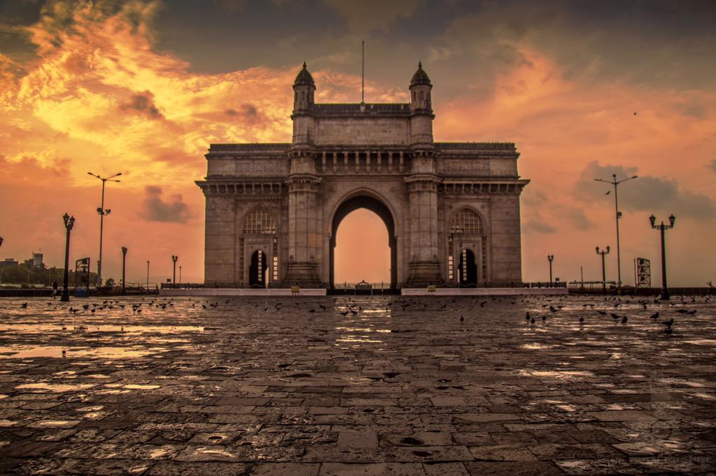 And you thought its always crowded in Mumbai?  #travel #IncredibleIndia #Mumbai #photography http://t.co/J96fzpFzce