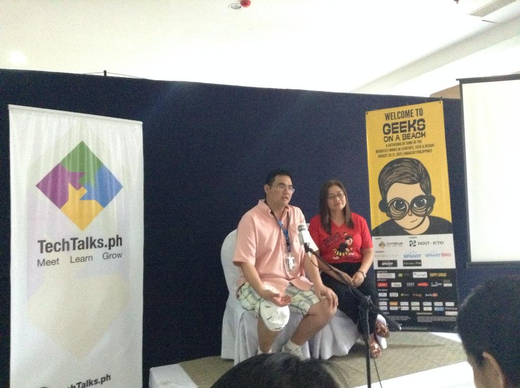 Organizers in attendance: IdeaSpace pres. Earl Valencia and TechTalks.ph founder Tina Amper #GeeksOnABeach http://t.co/v3NgVKCdPd