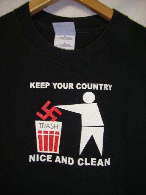 ナチスはごみ箱へ。 @ha_yuka @DonQuixote3001pic.twitter.com/p8LkyW8PNO