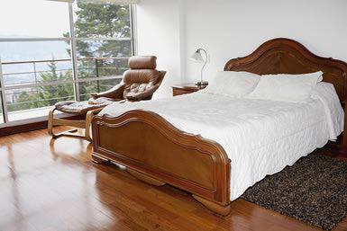sàn gỗ công nghiệp giá rẻ màu sắc trung tính cho phòng ngủ ấm áp
