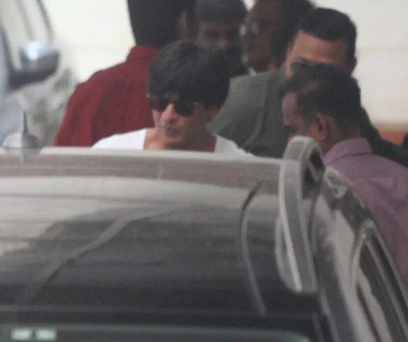 Shah Rukh Khan Meets Karan Johar Post The Announcement Of His Film With Alia Bhatt