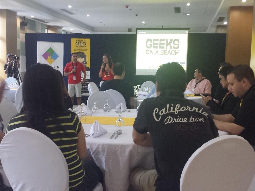 @am_tins, founder of TechTalks.ph kicking off the Roundtable Investors Dinner. #GOAB #Pre-event http://t.co/TLnNaOzHuS