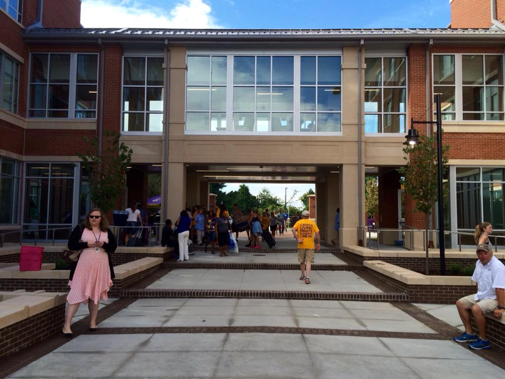 Thumbnail for ECU Move-in 2015