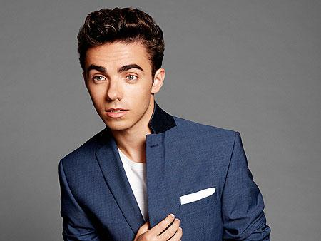 RT @people: Exclusive: Watch @NathanSykes perform his single 'Kiss Me Quick' live at his first U.S. show: http://t.co/8LWJazMeWT http://t.c…
