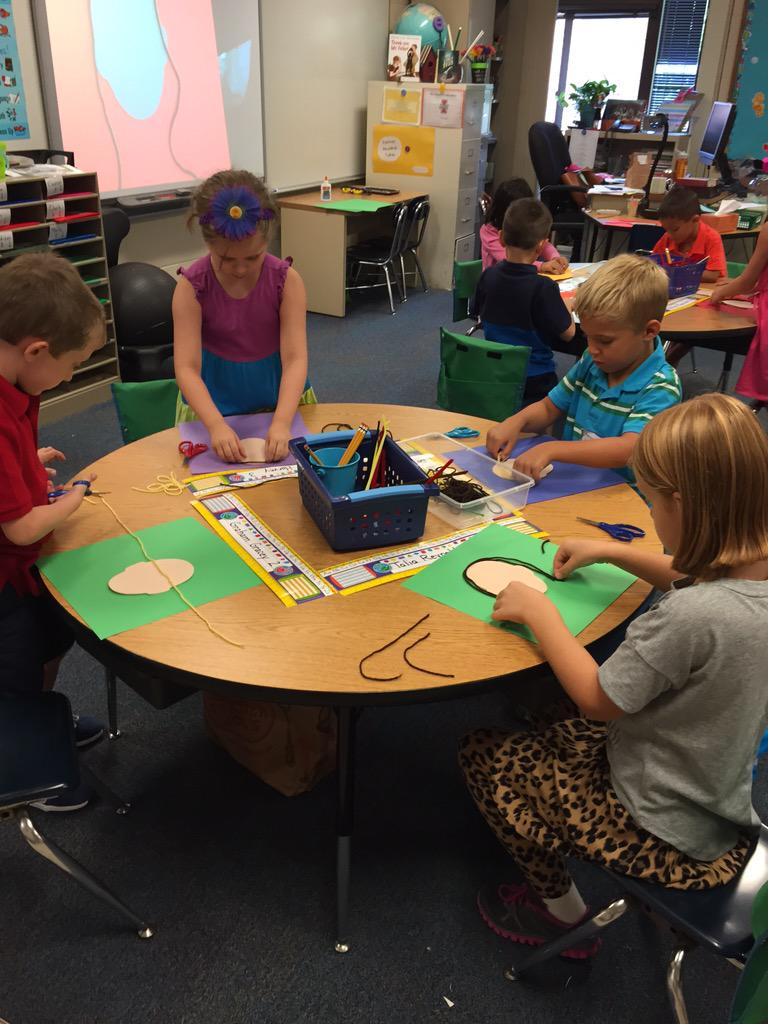 We had a great day in first grade! We made self portraits after reading Only One You by Linda Kranz.  #Geneva304 http://t.co/mTdtftmYXG