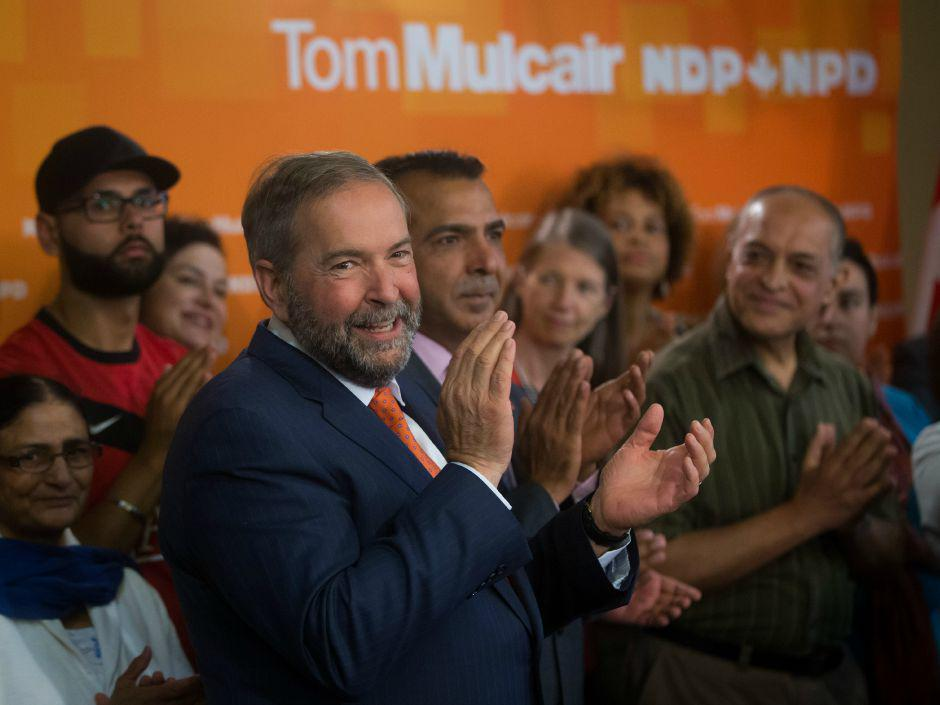 Tom Mulcair promises NDP will invest $250 million in front-line police officers across Canada http://t.co/qKMXD0GbN3 http://t.co/AvwIwod4bB