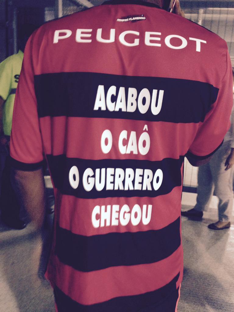 1745dee686 Felippe Costa  felippecosta1Torcedor do Flamengo chega confiante ao  Maracanã e aposta no atacante Guerrero  trmaraca