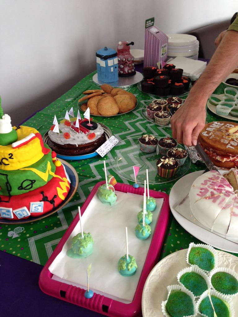 Impressive baking on display at #sciencecake in @cardiffPHYSX, supporting @macmillancancer http://t.co/h1g96oTtLz