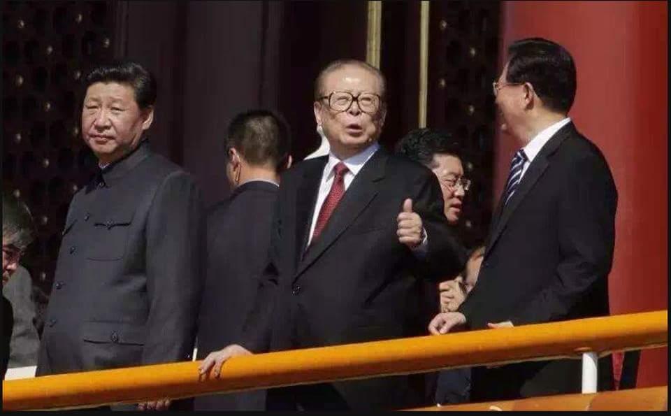ちなみに今日中国からのお客様に見せて一番ウケたのが、fbで流れてきたこの写真です。 http://t.co/0wUHGzs8NG