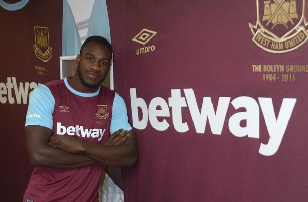 RT @DeadlineDayLive: Michail Antonio joins the Hammers on a four-year contract with a two-year option. (Source: @whufc_official) http://t.c…