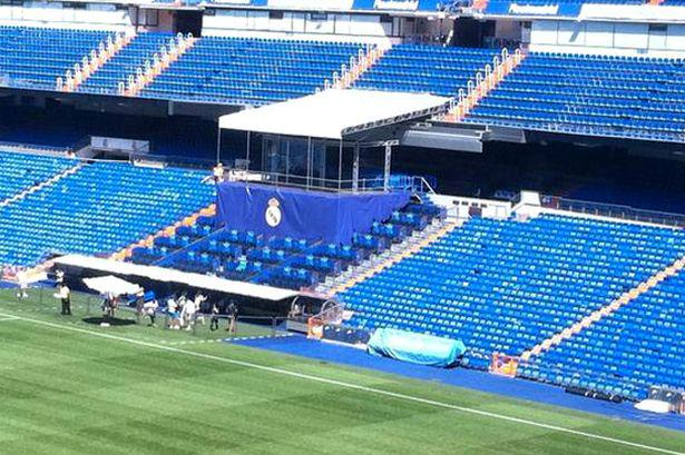 Any scaffolders in the Madrid area, contact Real Madrid as they need a stage urgently dismantling http://t.co/LwmWaXosJn