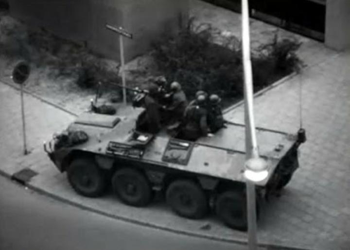 YP-408装甲兵員輸送車
