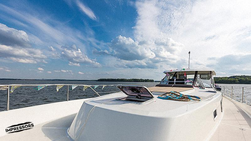Или ты просто хочешь покрасоваться перед друзьями? Рассмотри вариант снять яхту! http://t.co/LFWtwx3QNv http://t.co/s1bpqugMXb