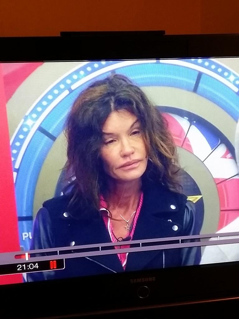 When did Steve Tyler enter the big brother house. #CBBUK http://t.co/bqfrl0XCtz