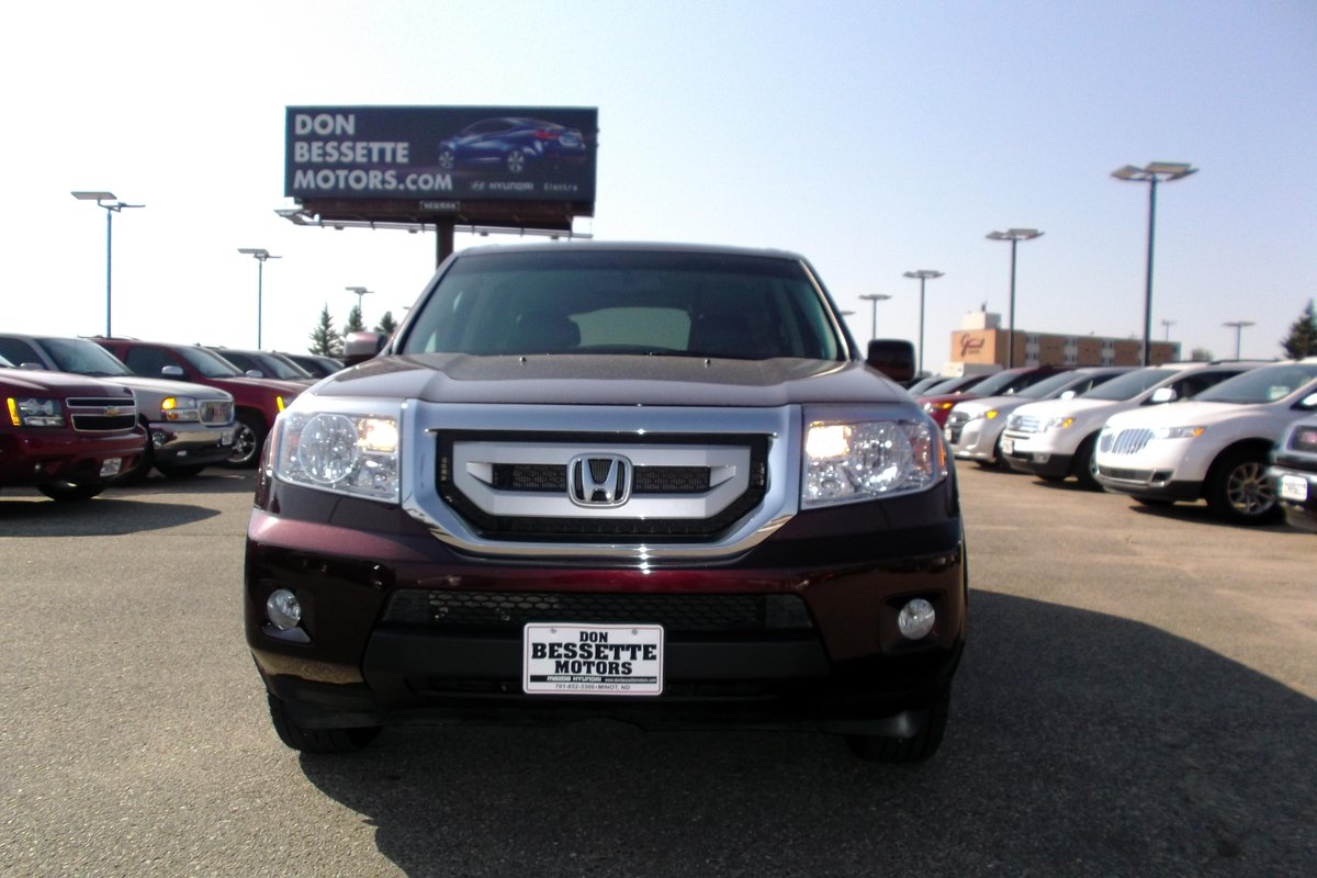 Looking for a SUV with low mileage and great options? Check out this 2011 Honda Pilot with only 37k miles and 4WD.pic.twitter.com/bFtYD7jq7I