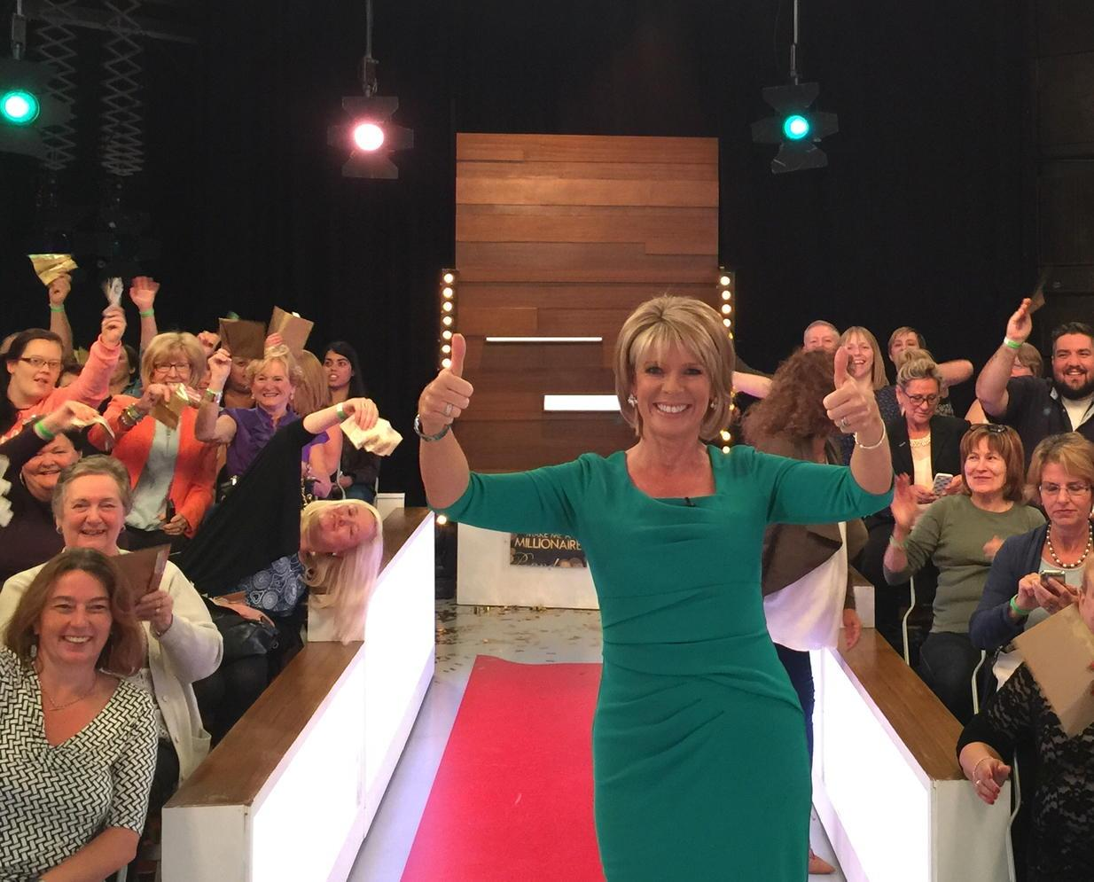So lovely seeing the smiles when @loosewomen studio audience realised they'd ALL got £100 in their envelope! 😀 http://t.co/1Y2Lp7O5re