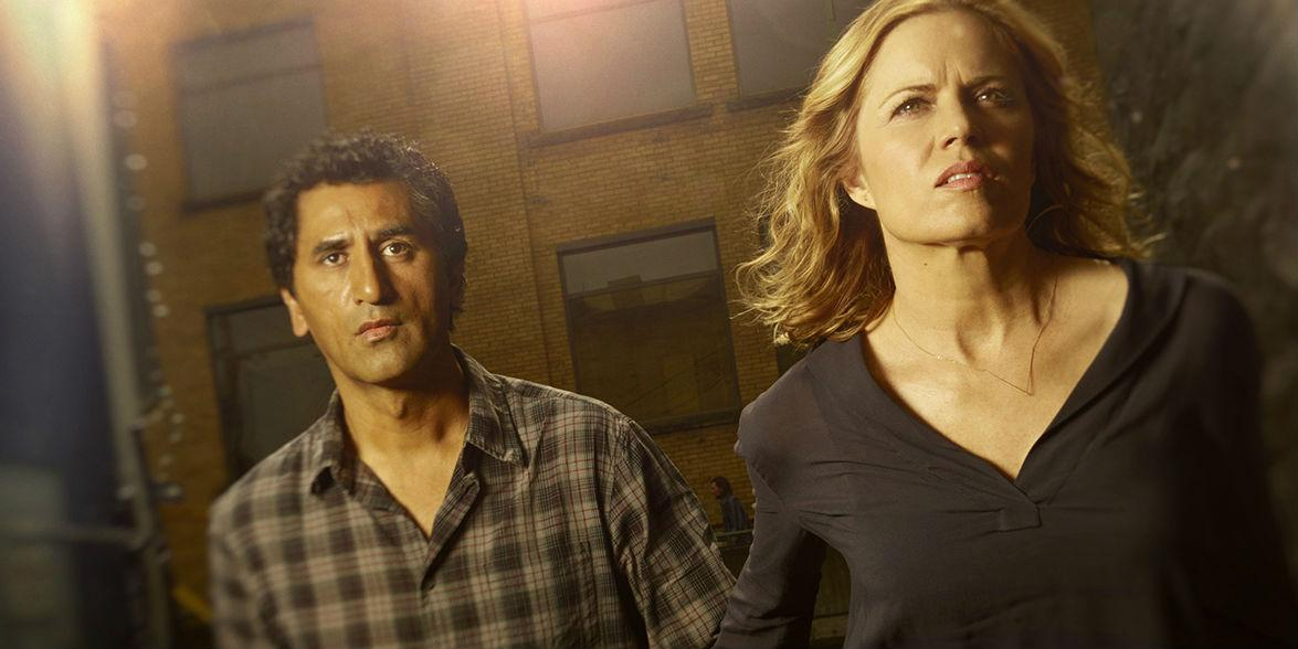 """Zombies devour VMAs, on MTV at least, as """"Fear the Walking Dead"""" returns strong http://t.co/8545ECqDRf http://t.co/Ha5vsFLpBE"""
