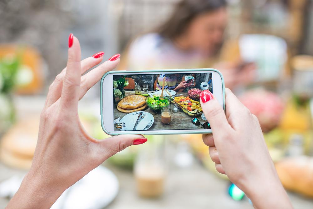 RT @TheNextWeb: Why sharing photos of food is about more than what's on the plate http://t.co/j8LmOvmFcV http://t.co/gAUZvONmDN