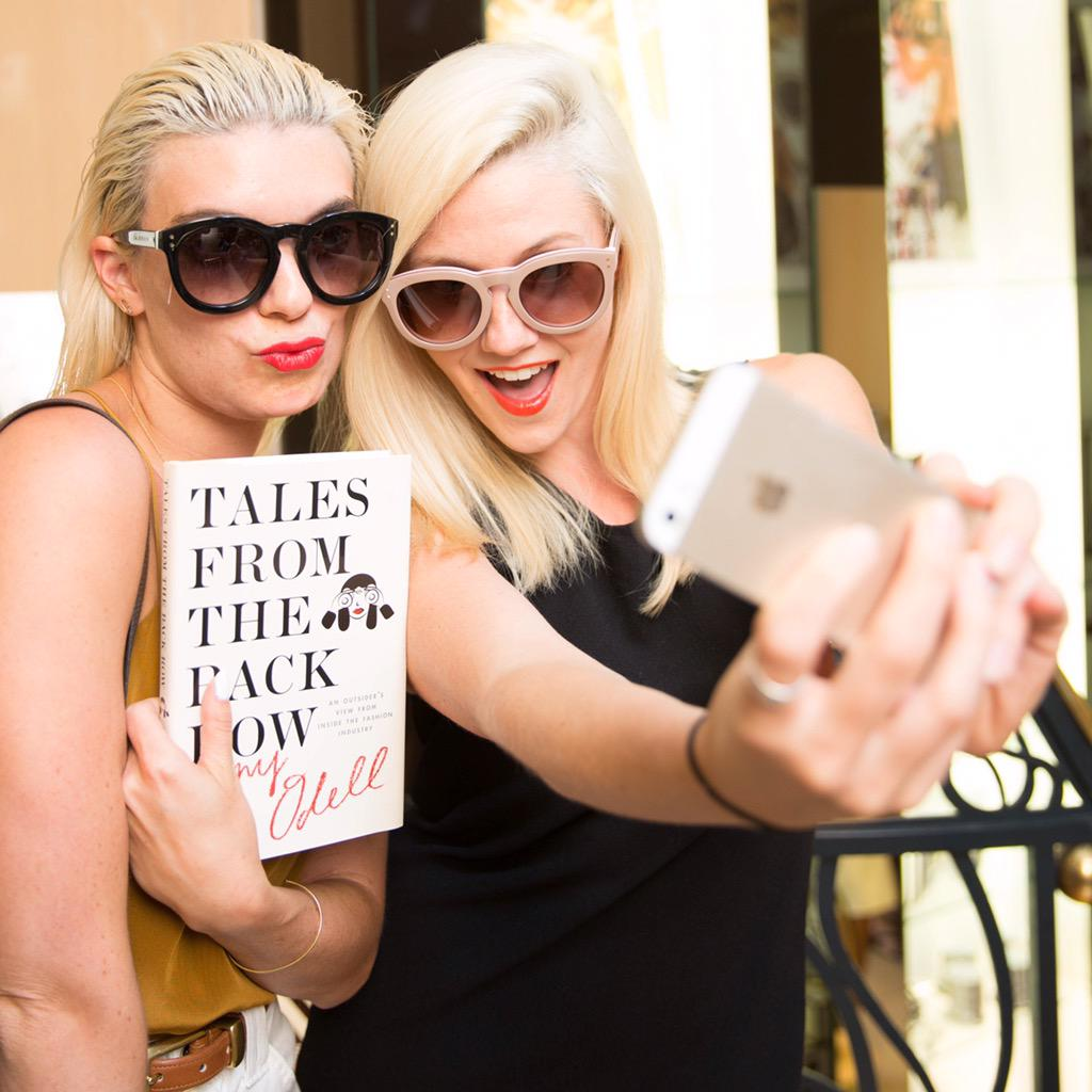 Living our selfie-est lives @amyodell's #TalesFromTheBackRow book launch party 🎉📚🎉 http://t.co/DmX9TU42Uc