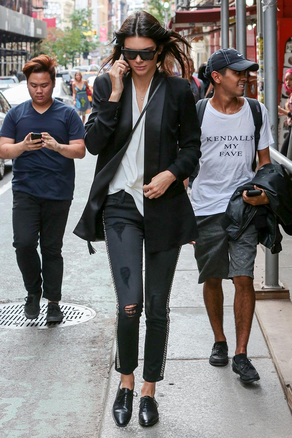 Take your cue from Kendall Jenner and incorporate tailoring into your daytime wardrobe http://t.co/OI4nqcMoQ5 http://t.co/m7ZOVitjja