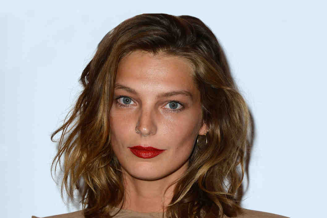 14 short hair ideas perfect for your lob: http://t.co/KlS3WfEbGd http://t.co/5T15oOgttj