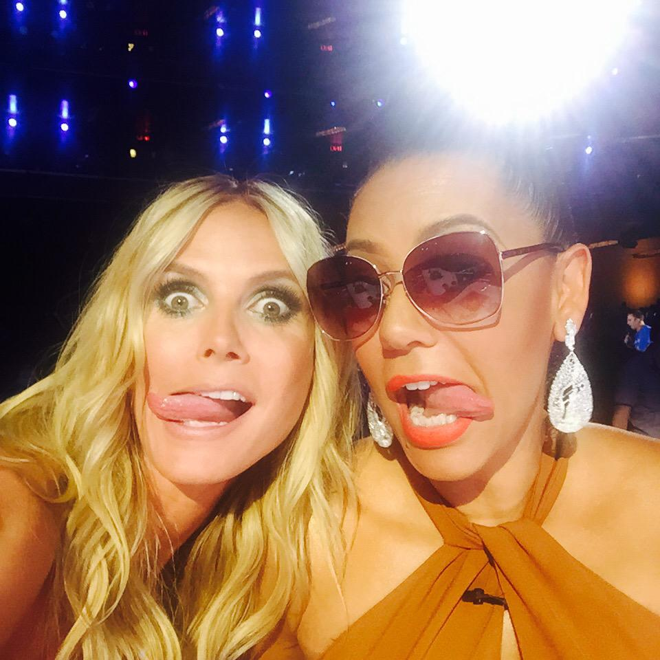 Are you enjoying @nbcagt tonight? @OfficialMelB and I are having fun! #AGT10 http://t.co/G2DjVlxkO0