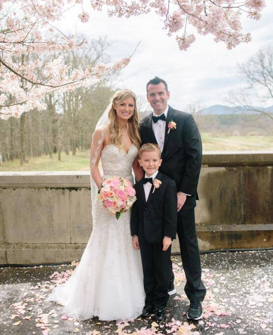 """Couple Injured in Boston Marathon Bombing Are Separating After Having a """"Dream Wedding"""" http://t.co/K9cDtPCpve http://t.co/Tqnqg55WMz"""