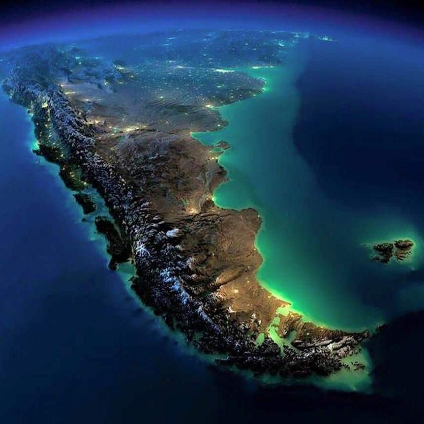Desde el espacio un astronauta italiano de la NASA saco esta foto.. impresionante! #argentina @NASA @NASA_Astronauts http://t.co/KzwhsWg8DH