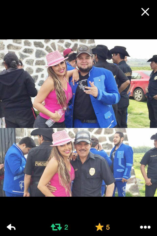 """Mañana en """"HOY"""" no se pierdan el momento grupera con @LIZCLAPES @patrulla81music y colmillo norteño http://t.co/XvvIQFxUYd"""