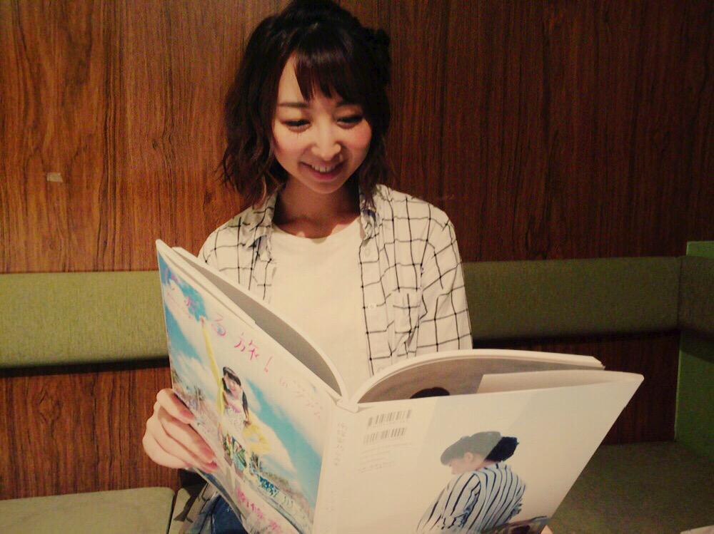 本日、秋葉原ゲーマーズさんアニメイトさんにて声優アニメディアさんのお渡し会です☆よしのちゃんと一緒じゃなくてちょっぴり寂しいですが、じょる旅見てよしのちゃん感じながら行きたいと思います。笑みなさんお待ちしてまーす!!(o^^o) pic.twitter.com/i1vKk6vmhc