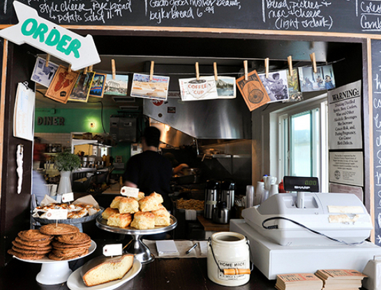 Take a look at some of America's best diners: http://t.co/L3bNEyrzat http://t.co/ACdArhOTx9