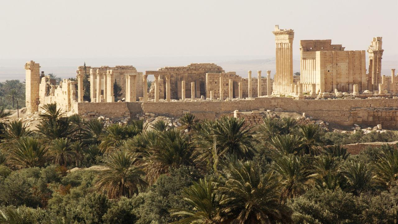 ISIS destroys one of Syria's most important ancient landmarks (via @FastCoDesign): http://t.co/daFtsLYBFo http://t.co/scKSgzJgdb