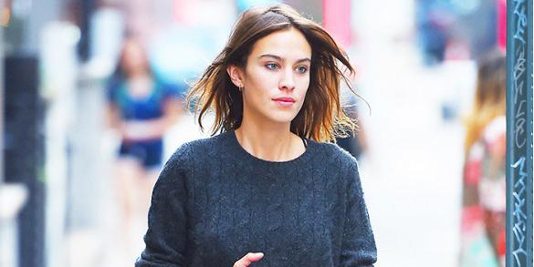 The $55 sneakers @Alexa_Chung loves: http://t.co/gphRpgC6P2 http://t.co/AQEONtb508