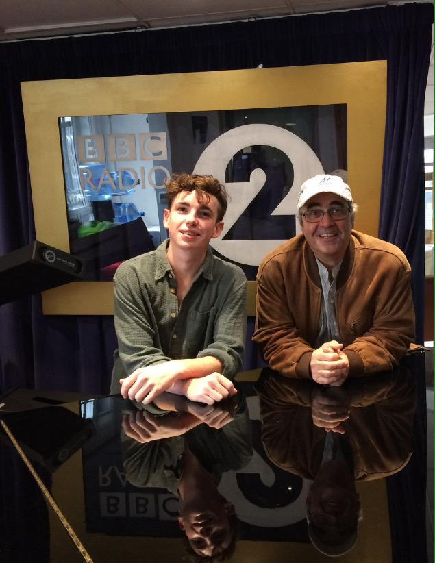 RT @lauriekynaston: Just about to go on with @prodnose for Steve Wright @BBCRadio2. Listen out for all things #CradleToGrave http://t.co/g5…