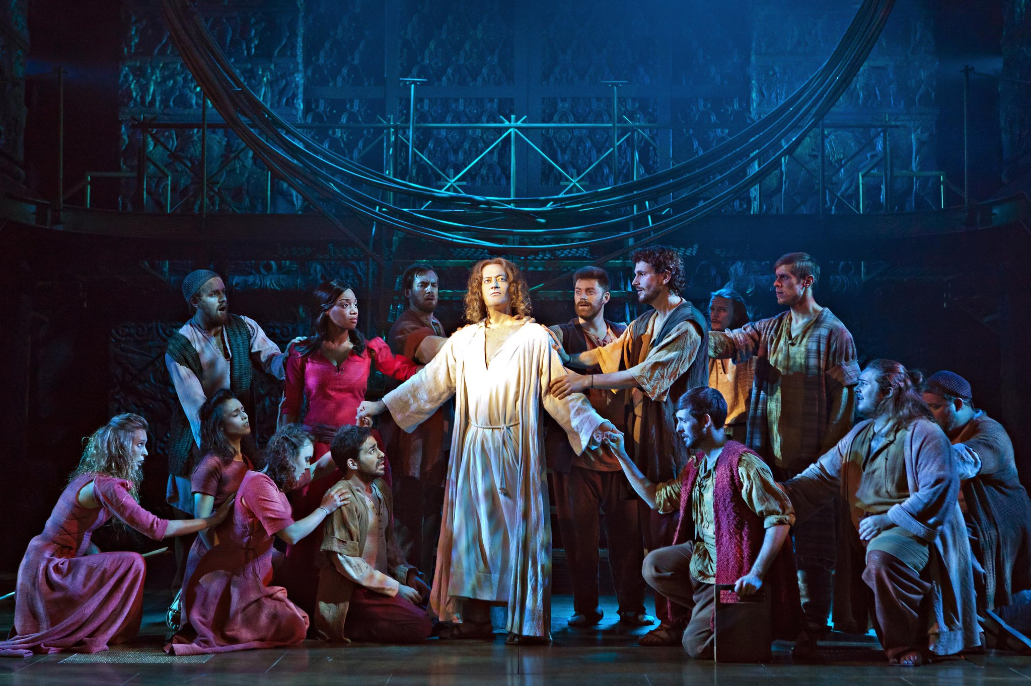 RT @InsideRhyl: Check out my #review of @JCSTheMusical at @VenueCymru staring @RachelASongs here http://t.co/BqIZlIQuH0 http://t.co/M1U1HZl…