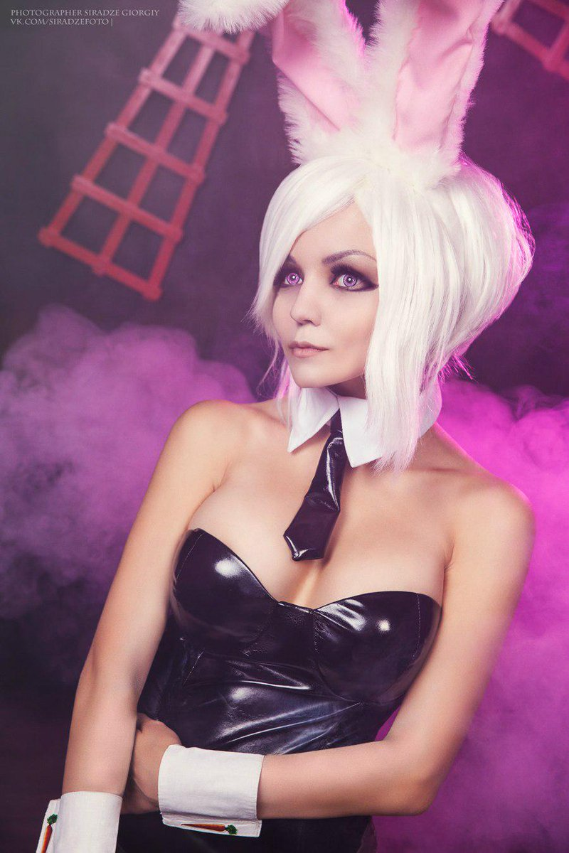league of cosplay on twitter sexy battle bunny riven by