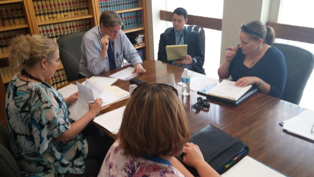 Partners meet for one hour prior to court to prepare. Can't tweet this stuff. All private #asc #topekatweetalong http://t.co/LnUfp82Qfw