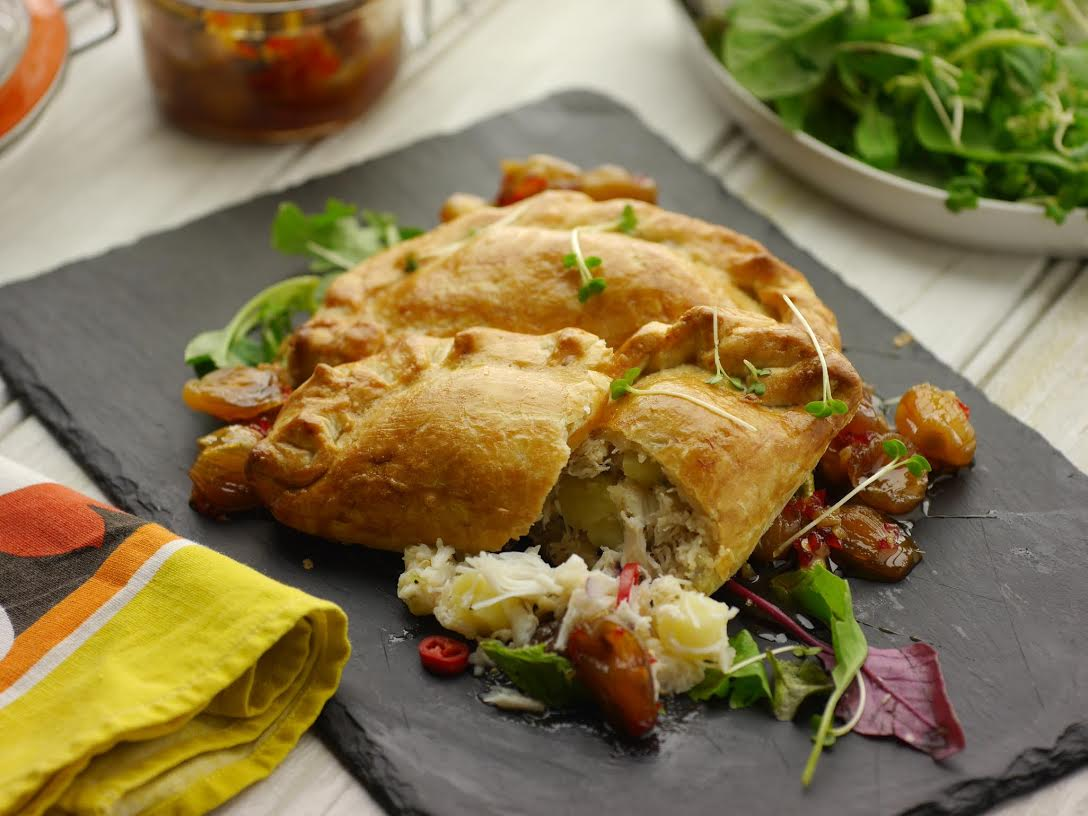 RT @SundayBrunchC4: If you've got claws for celebration then cook @simonrim's Crab Pasty for dinner this eve:  http://t.co/VQSYpx2Xfu http:…