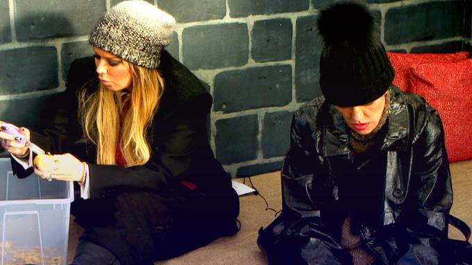 Uh-oh, two servants have been banished to the tower to peel spuds... http://t.co/SomdUwSuEb #CBB http://t.co/CmFjYO8arU