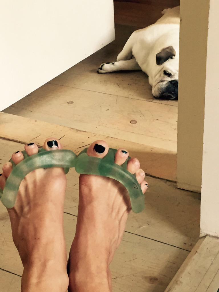 Cat Greenleaf On Twitter YogaToes Are Helping My Bad Feet Now