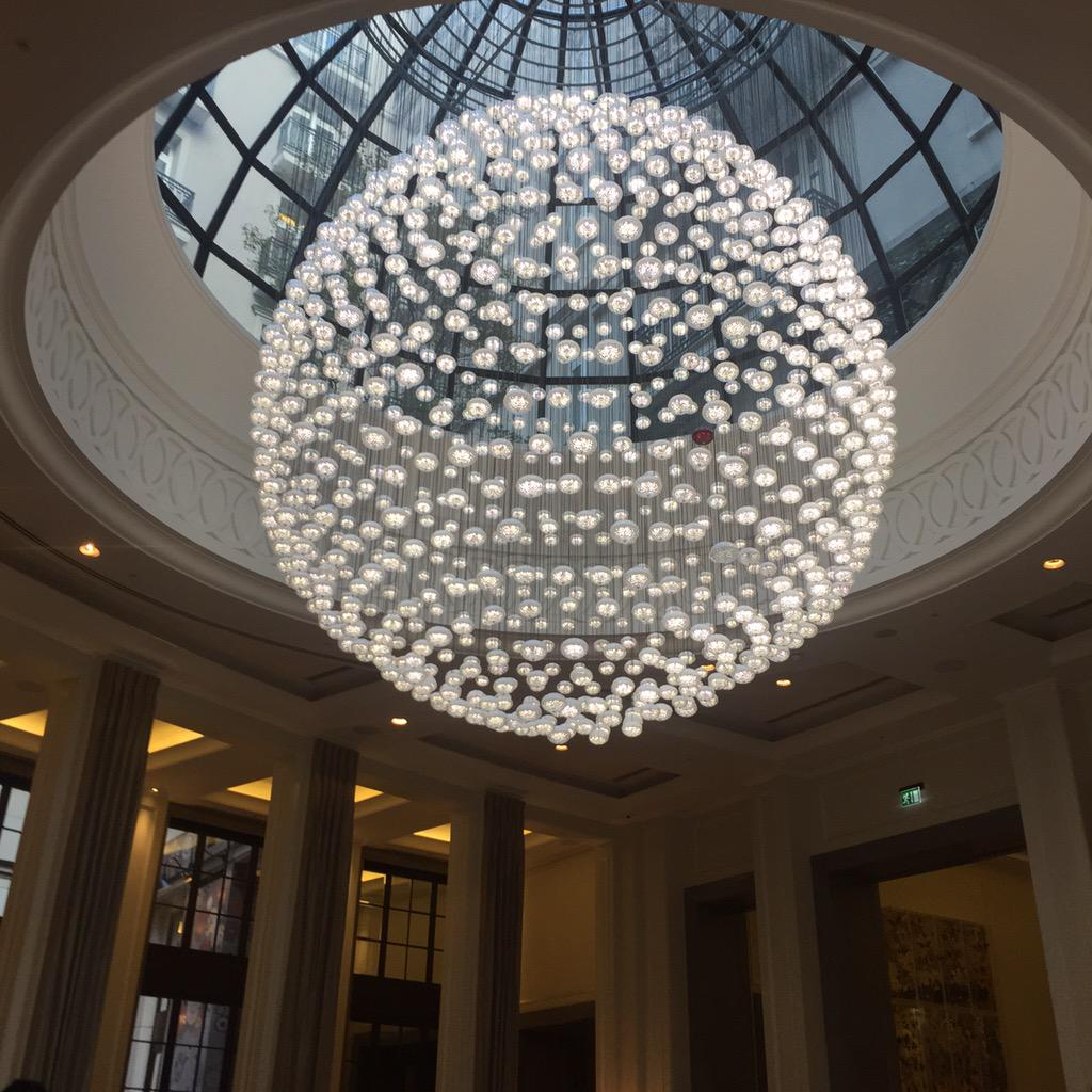 Is this the coolest light in any London hotel? @CorinthiaLondon http://t.co/1dbcIRcoG3