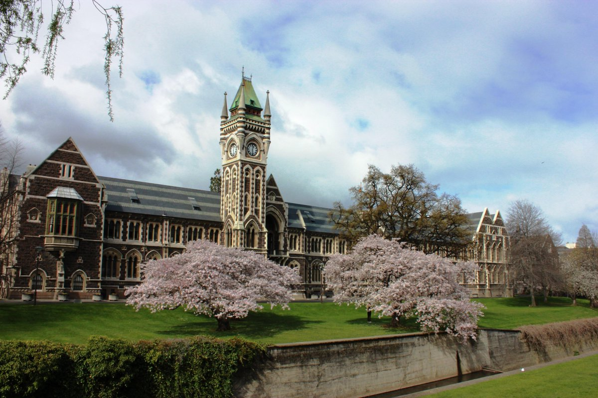 The University of Otago was established in 1869, and looks like #Hogwarts  #survivephd15 @thesiswhisperer @otago http://t.co/UkcGH2QSEM