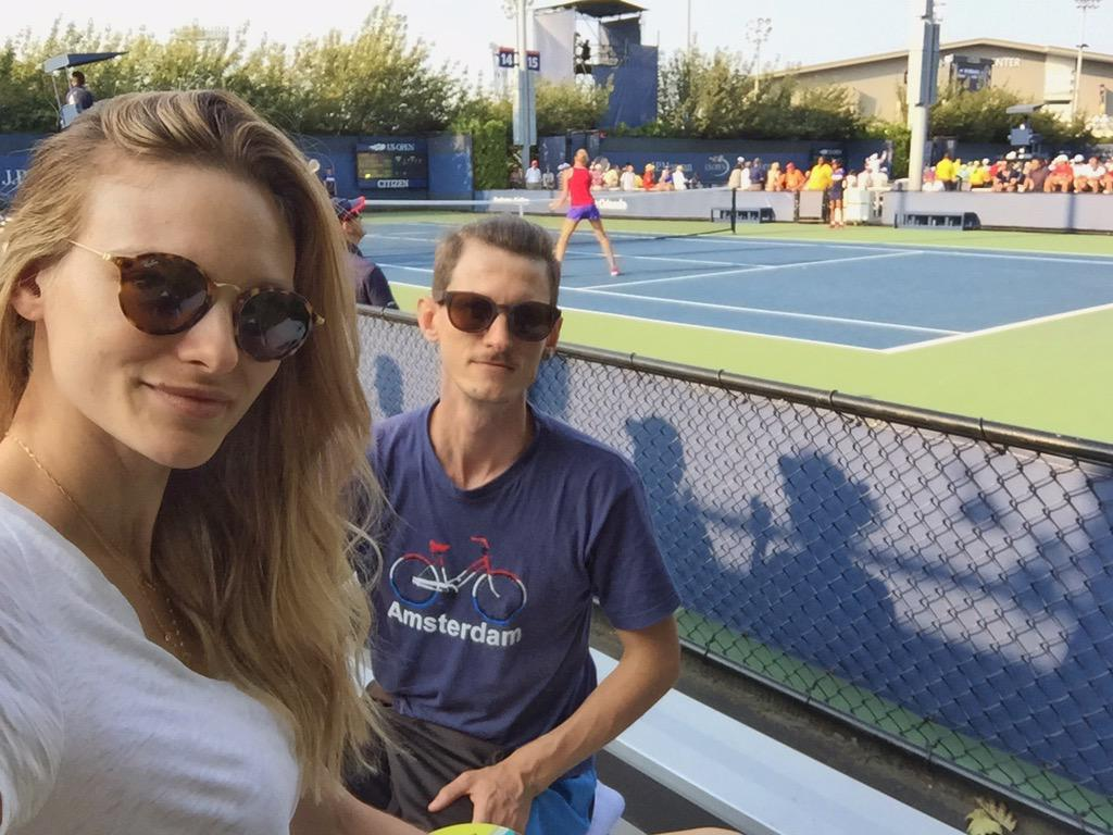 At the @usopen with my partner @semprebom  #UsOpen2015 http://t.co/RhFPRkOcWm