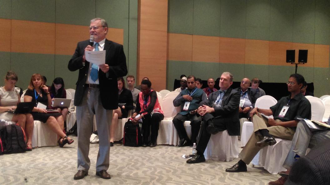 Jose Ugaz, d only man who dared 2 ask @NajibRazak abt d alleged RM2.6bil at @16IACC is getting a lot of attention. http://t.co/4IxaqsjeIh