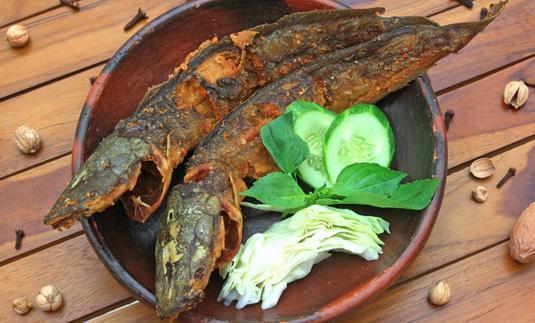Tips  Menggoreng Ikan Lele Agar Ekornya Lurus - AnekaNews.net