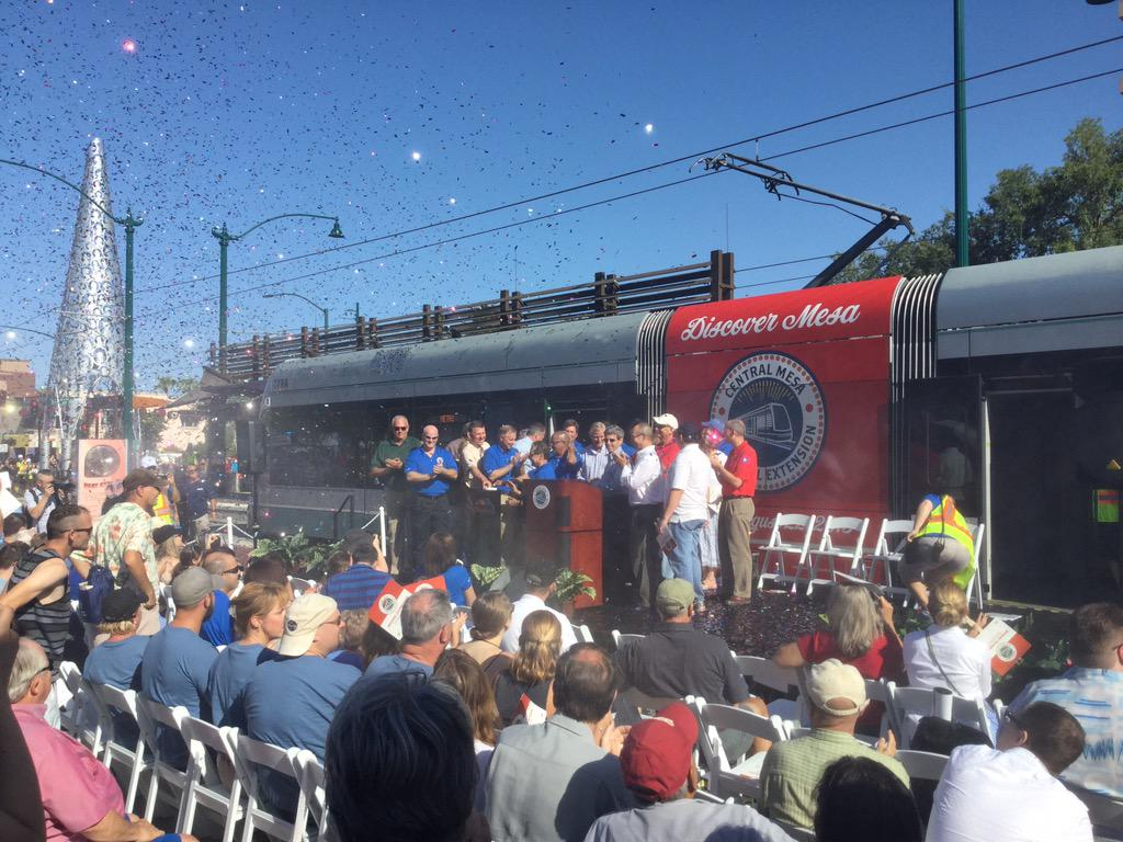 Light rail is officially open in #centralmesa @valleymetro http://t.co/K154UtOwli