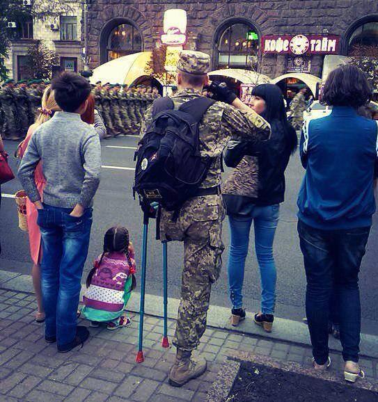 """""""Це було потрібно нам, а не їм…"""", - Марш Независимости в Киеве с радостью, слезами и цветами для Героев - Цензор.НЕТ 136"""
